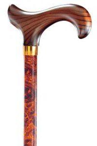 Aluminium wandelstok Birdeye is een verstelbare wandelstok met een hardhouten Derby greep. De stok heeft een klassieke bruin zwarte print.