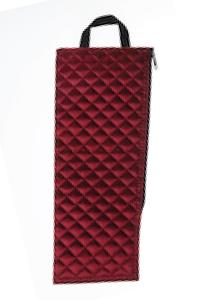 Een handig opbergtasje gemaakt van gequilt nylon voor een opvouwbare wandelstok